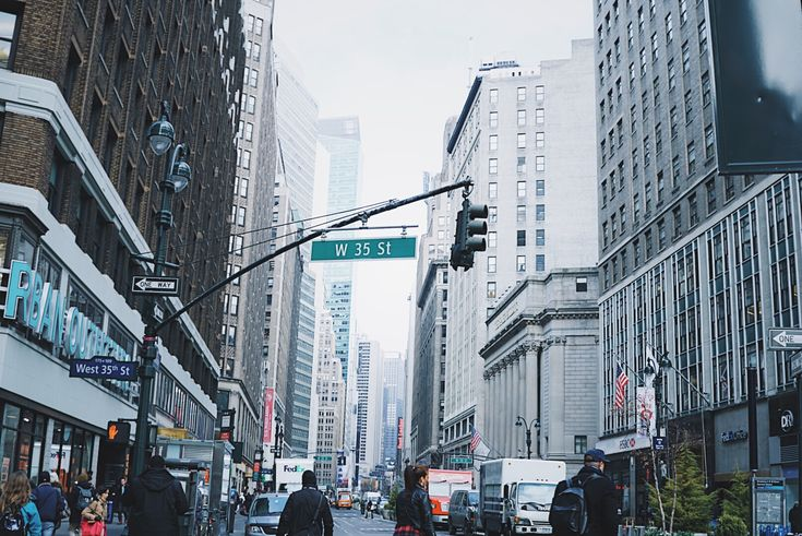 edit photos vsco sony a6300 how to edit photos for instagram instagram feed aesthetic photography help editing lightroom photoshop edit applications technique techniques nyc photography new york city shutter speed taxi cab empire state building mirrors blue sky skyscraper freedom tower rainbow world trade memorial bryant park