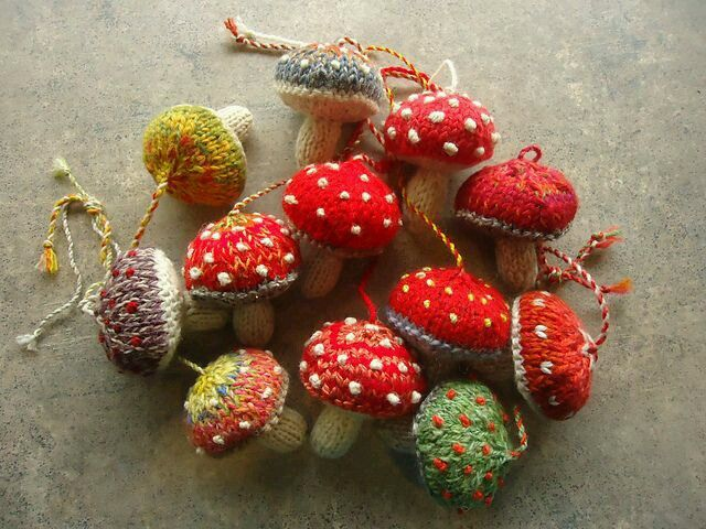 Knitted mushrooms. Adorable.