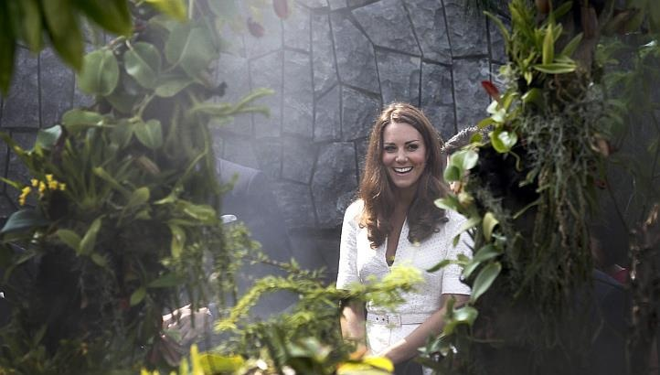 Kate in Singapore. ♥: Cloud Forests, De Cambridge, Duchess Of Cambridge, The Duchess, Prince Williams, The Bays, Duchess Catherine, Kate Middleton, Catherine De