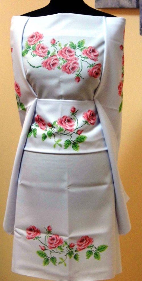 Заготовка жіночого плаття під вишивку бісером Троянди Львів e9c75761d7829