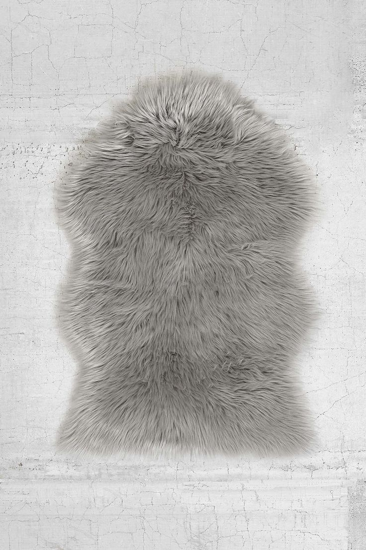 25 best ideas about faux fur rug on pinterest fur rug cabin christmas and cabin christmas decor. Black Bedroom Furniture Sets. Home Design Ideas