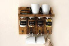 Items similar to Hermosas especias o café estante con colgar frascos que tienen etiquetas de pizarra y ganchos para colgar toallas, tazas etc.. on Etsy