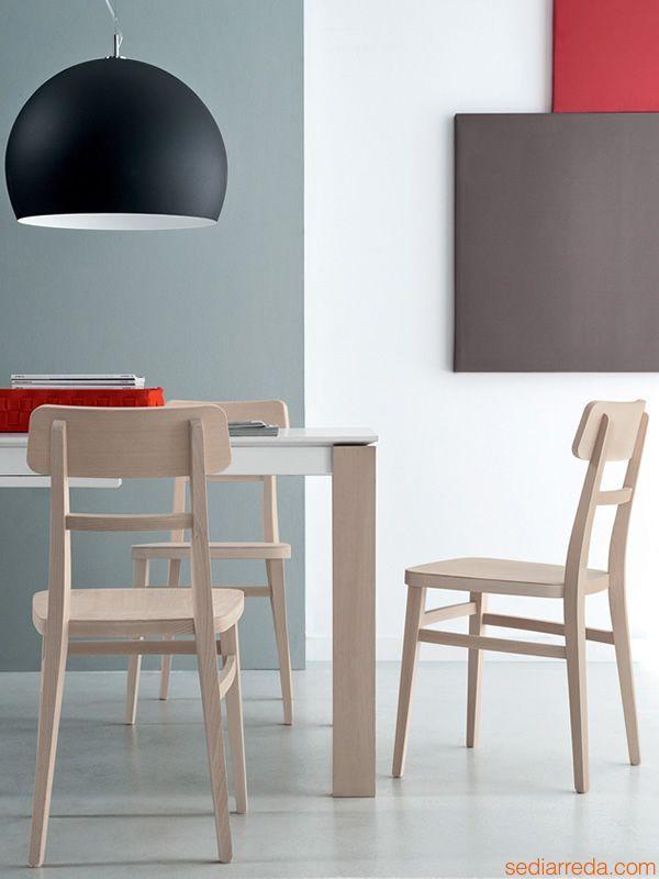 Sedia in legno disponibile in diversi colori, per bar e ristoranti | Sediarreda
