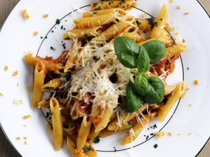 Deilig spicy tomatsaus til pasta - prøv denne oppskriften på penne all'arrabbiata.Kilde: Adresseavisen Foto: Terje Visnes