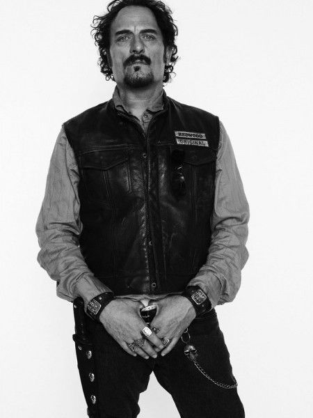 INTERVIEW Sons of Anarchy star Kim Coates describes living in Tigs head.