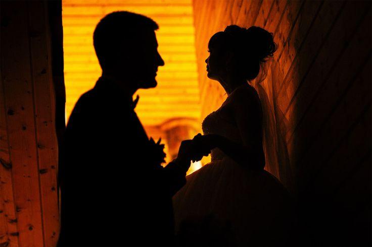 В свадебном фото как и в любви есть своя загадка...