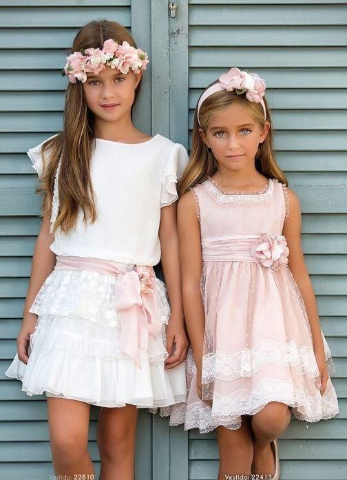 2f36125aad Vestido rosa tul y vestido blanco talle bajo de Amaya