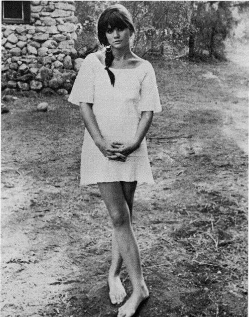 Linda Ronstadt photographed in 1968