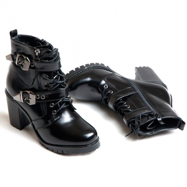 K17 distribution - Witchy Boots