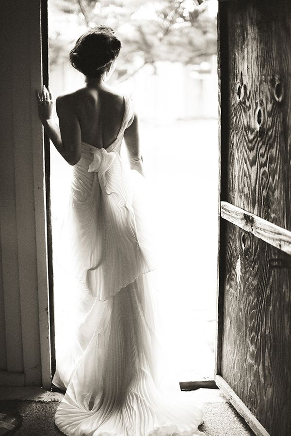 bride2be: pleated Vera Wanggown and a classic...