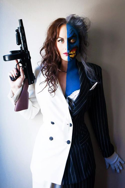 Lady Two Face Cosplay http://geekxgirls.com/article.php?ID=1535