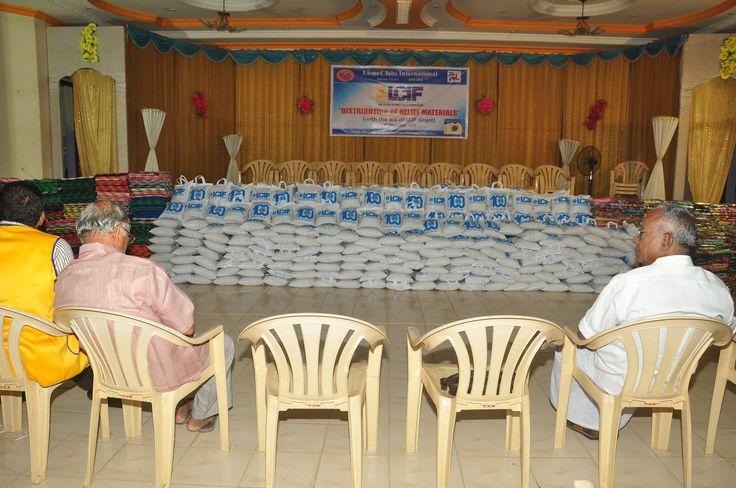 Neyveli Power City #LionsClub (India) provided relief to 200 flood victims.