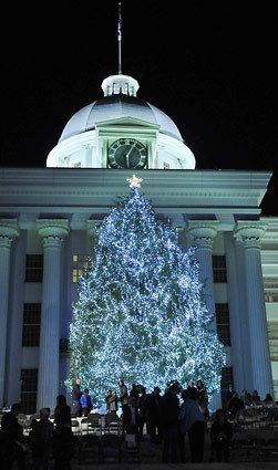 Itu0027s Christmas in Montgomery Alabama. Every Light a Prayer for Peace  Christmas Tree lighting ceremony in front of the Alabama State Capitol. & 76 best Montgomery Alabama Home 1993-2015 images on Pinterest ... azcodes.com