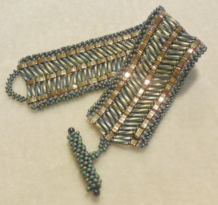 PATTERN Tila Half with bugle beads cuff style por BaublesbyBalonis