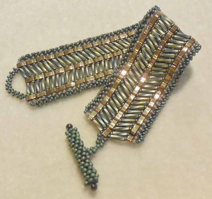 PATTERN Tila Half with bugle beads cuff style por BaublesbyBalonis