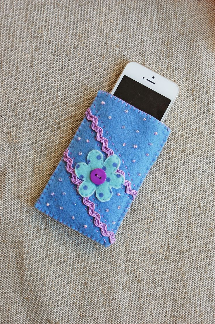 Blue Flower Felt Phone Cover https://etsy.me/2JgoFvc #airyfairybags #accessories #case #cellphone #blue #blueflower #feltphonecover #cellphonepurse #iphonebag #cutephonesleeve #feltphonesleeve #smartphonecase #floralbag #gadgetbag #embroideredpouch #etsy #gadgetsleeve
