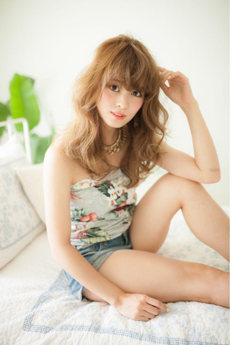 夏に向けて明るめカラーで♡簡単波巻きヘアのアレンジ集♡カットいらずで外国人風の髪型に♡