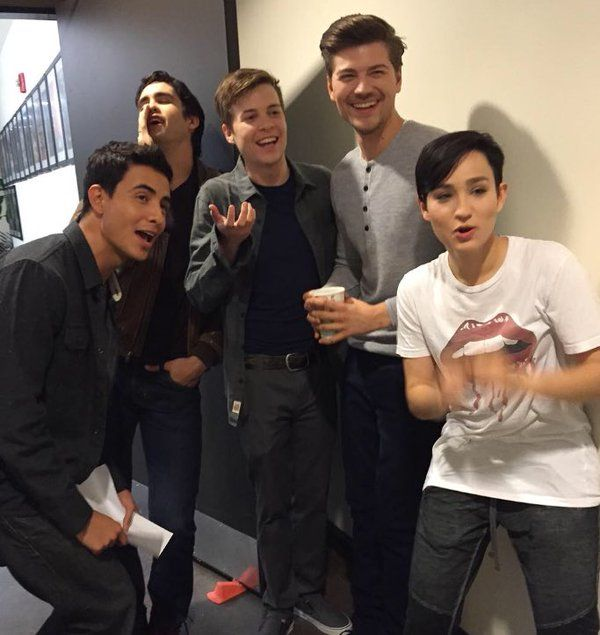 On-set giggles with the #MTVScream boys and @IBexWeBex