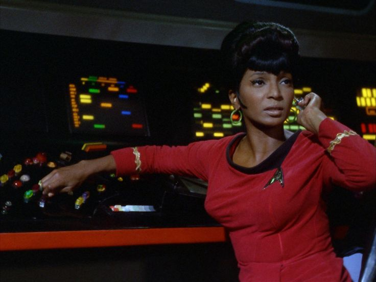Nichelle Nichols talks to Good Morning Britain about her famous kiss with William Shatner. ICYMI: Four ways CBS could win over Trekkies before the launch o...