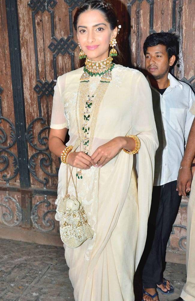 Sonam Kapoor at Anil Kapoor's Diwali bash