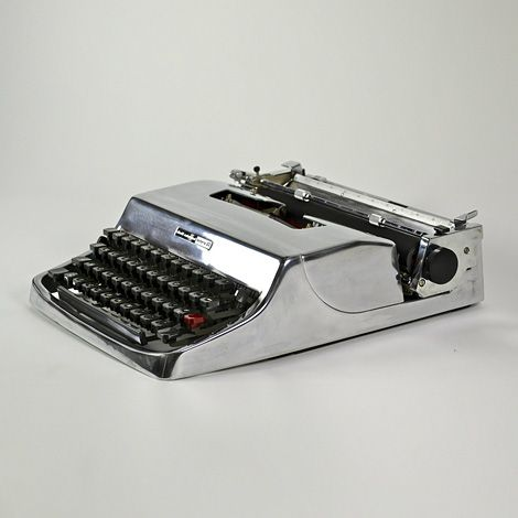 Gleaming Olivetti Lettera 32 Beautiful polished aluminium Olivetti Lettera typewriter from the 1960s, designed by Marcello Nizzoli.