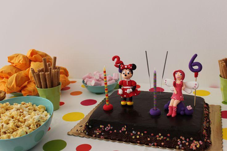 A Mia e a Minnie vieram à festa das princesas L. e B. :)