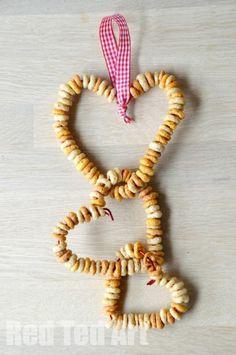 DIY Craft: Cheerios DIY Bird Feeders - simple crafts for kids