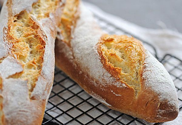 Baguettes Bread Recipe ~ a very simple recipe to make your own homemade baguettes