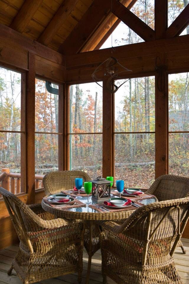 3 indoor outdoor eating area new house pinterest for Log cabin screened in porch