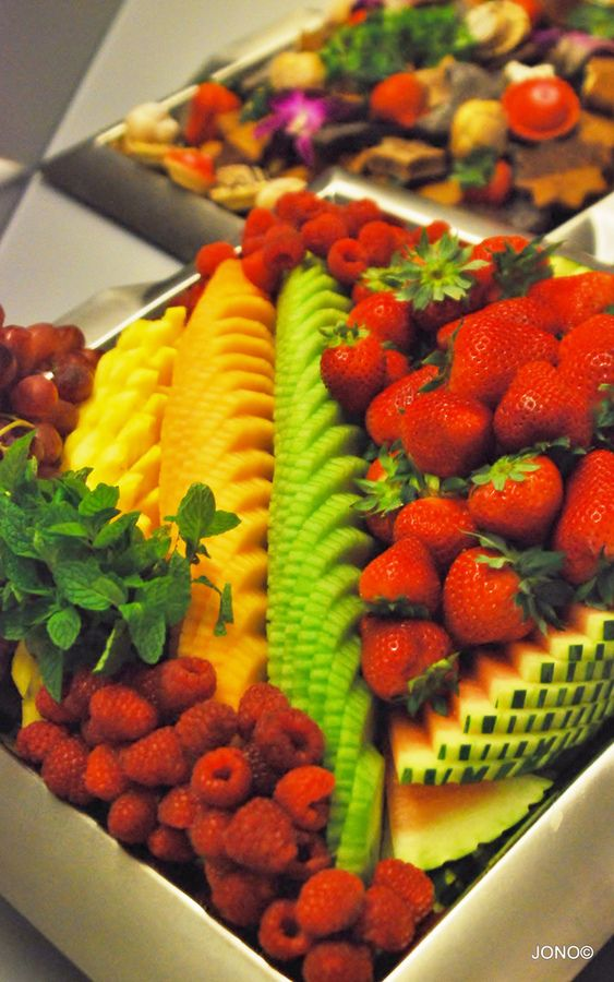 fruit table display fruit salad