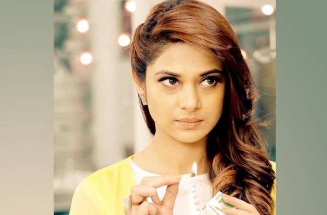 Maya is back with another viscious game plan on Sony TV's Beyhadh  http://tvdosti.me/maya-back-another-viscious-game-plan-sony-tvs-beyhadh/