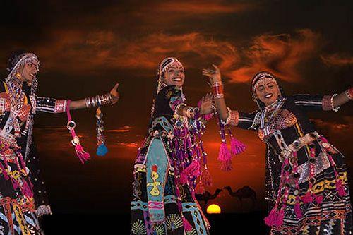 kalbelia dancers in jaiselmer - Foto Pradeep Mahajan