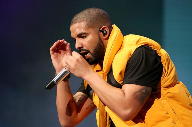"Watch Drake & Quavo Perform ""Portland"" On The Nobody Safe Tour"