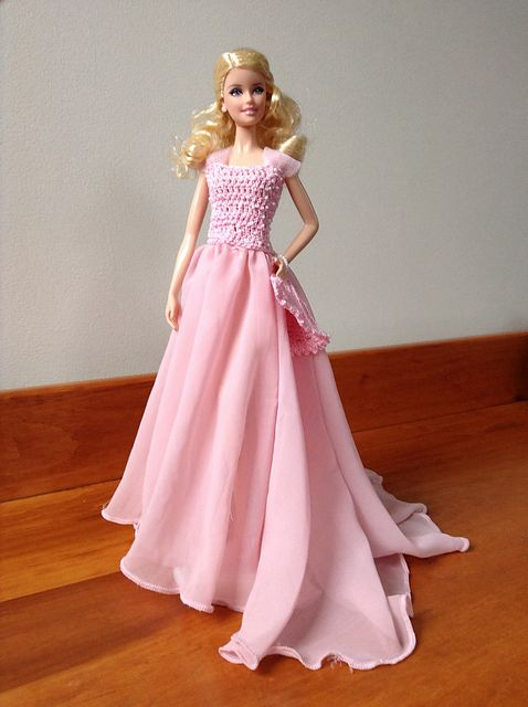 Ravelry: Pink Pearl Elegance Gown for Barbie pattern by Tess Tortorella