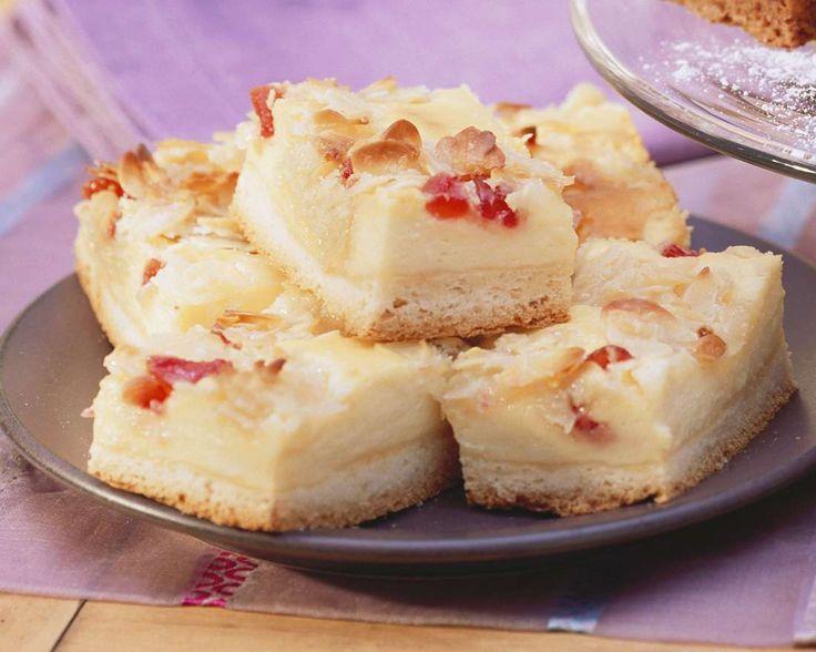 Mandel-Käse-Kuchen mit Kirschen | http://eatsmarter.de/rezepte/mandel-kaese-kuchen-mit-kirschen