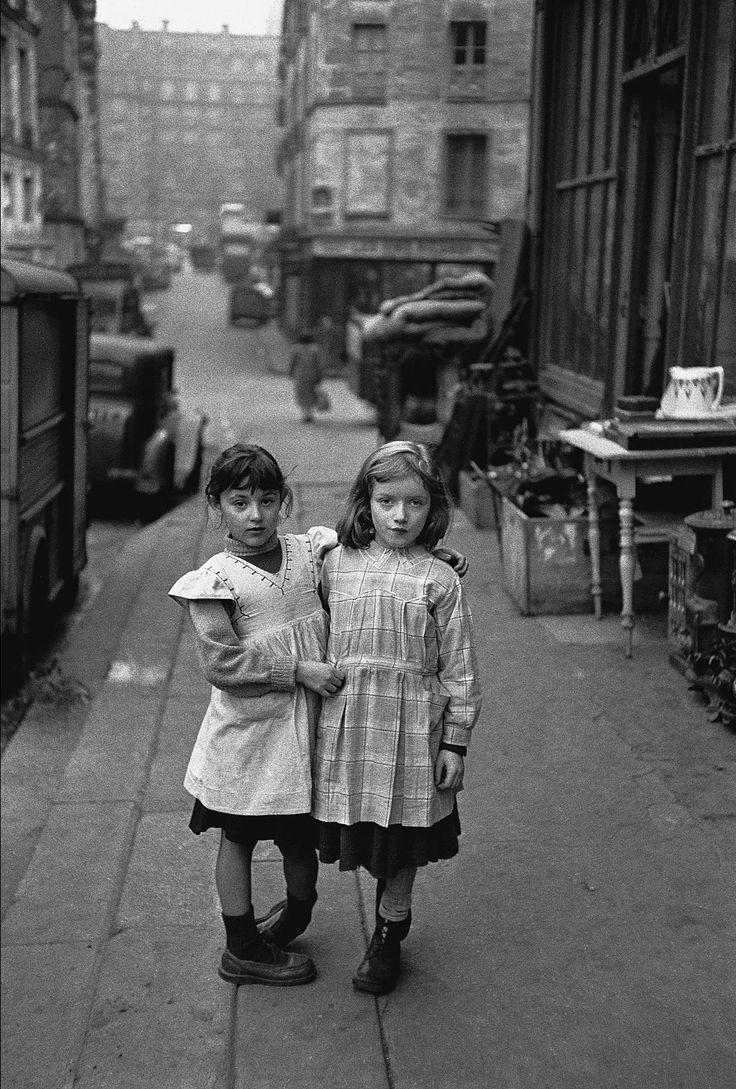 vintage kids photo by Edouard Boubat, 1952