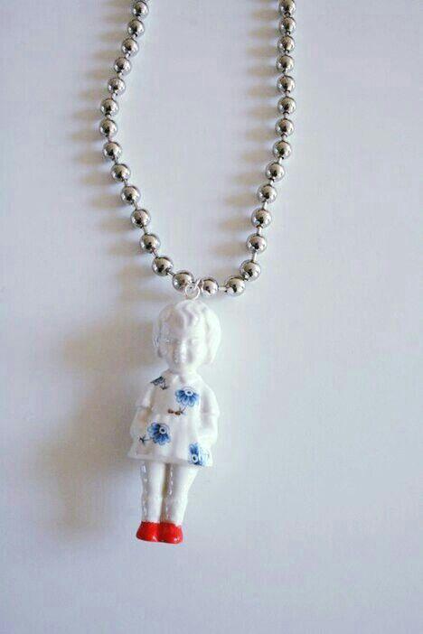 Lammers popje necklace, mijn achternaam dus die moet ik hebben....