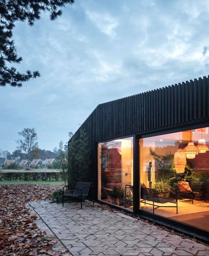 Small Two-Story Buitenhuis House by Daphna Laurens - InteriorZine