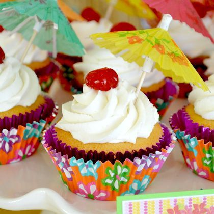 Aloha! How to Throw a Hawaiian Party: 16 Top Tips! | Spoonful