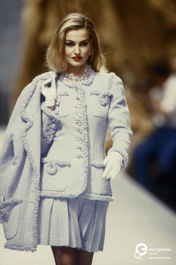 Karen Mulder for CHANEL, Autumn-Winter 1991, Couture