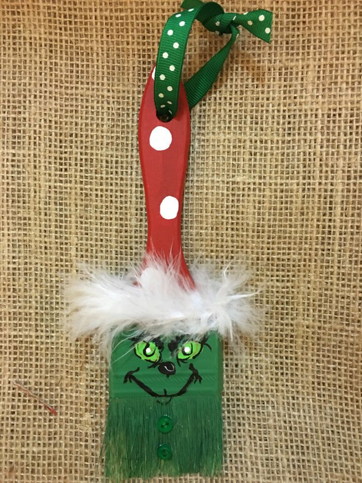 Grinch Paintbrush Ornament by BrushPileArt on Etsy https://www.etsy.com/listing/455427420/grinch-paintbrush-ornament