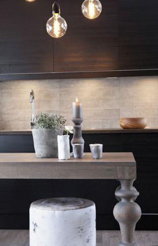 Viola spisebord i grå eik
