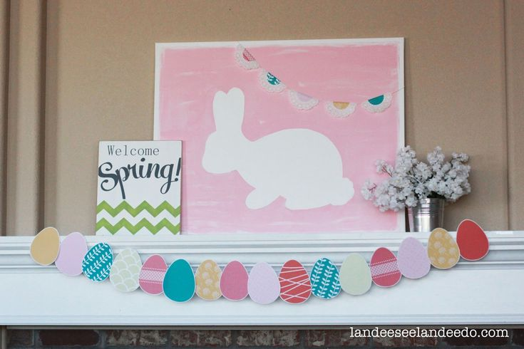 I am so annoyed that there are only a couple of weeks betwixt St. Patrick's Day and Easter this year!  What the heck?  It's cramping my mantel decor style a little but, no worries, I've got my Easter mantel all set and ready to share just in the knick of time.  I'm guessing you already …