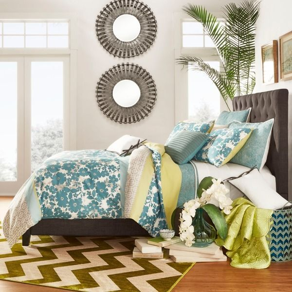 Add This Tribecca Home Sophie Tufted Upholstered Bed To Your Modern Bedroom Create A Relaxed Comfortable Atmosphere The Foam Headboard Is