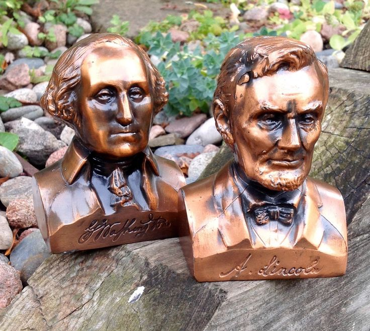 FREE SHIPPING-Vintage Rare Banthrico Inc., Chicago USA President Washington and President Lincoln Copper Cast Metal Banks-Pair-ManCave Decor by ellansrelics02 on Etsy https://www.etsy.com/listing/263110327/free-shipping-vintage-rare-banthrico-inc