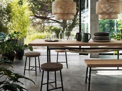 Nouveautés catalogue Ikea : une table en contreplaqué liège pour salle à manger nature