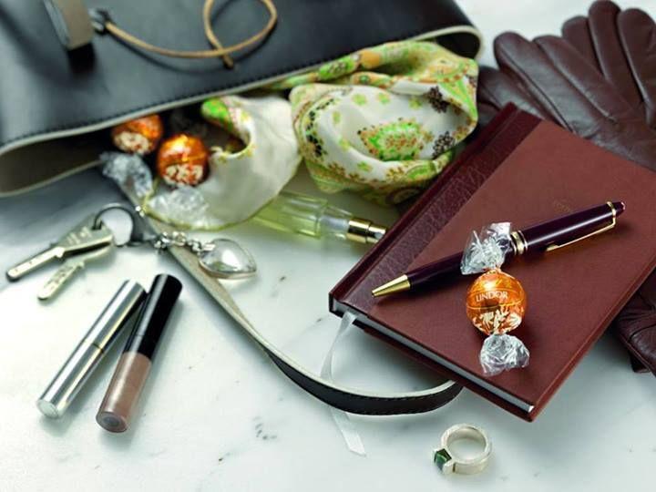 Pohodové pondělí? S Lindor v každém případě!  #chocolate #caramel #Lindt #lindor