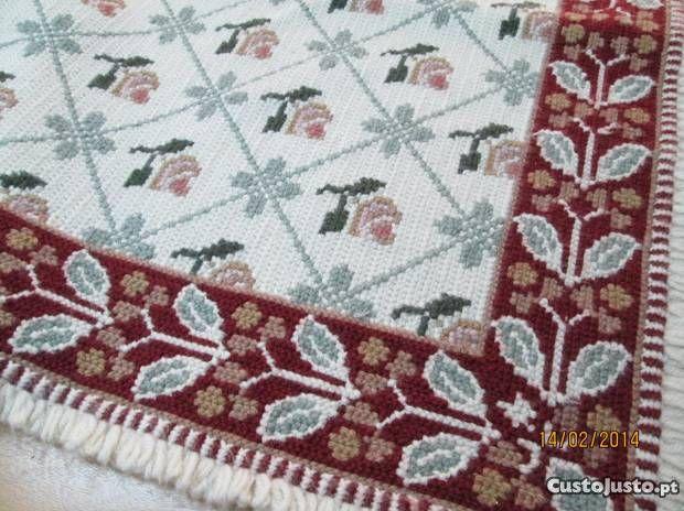 conjunto de tres tapetes de arraiolos