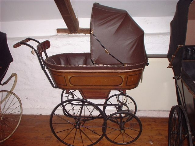 Jane's Pram Collection: Vintage prams-mainly mailcarts bassinettes and perambulators