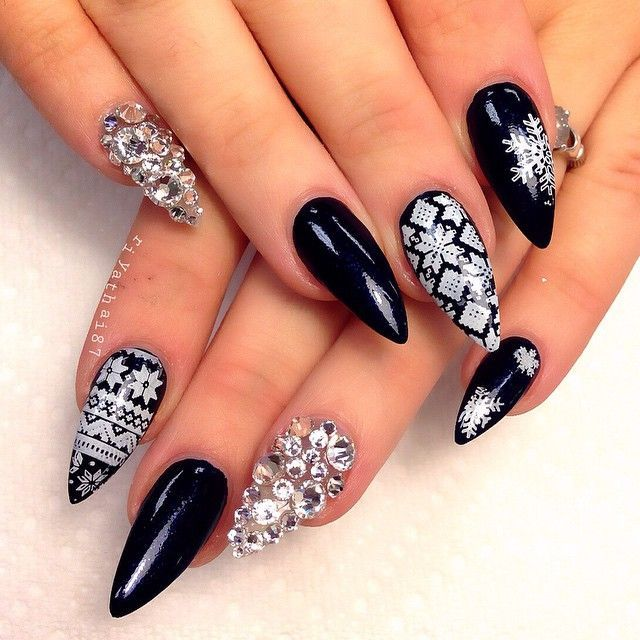 black & white winter print w/crystal nail art